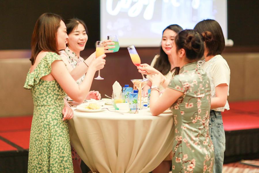 【主题年会】企业年会之大屏趣味互动,年会惊喜大奖,晚宴温情时刻