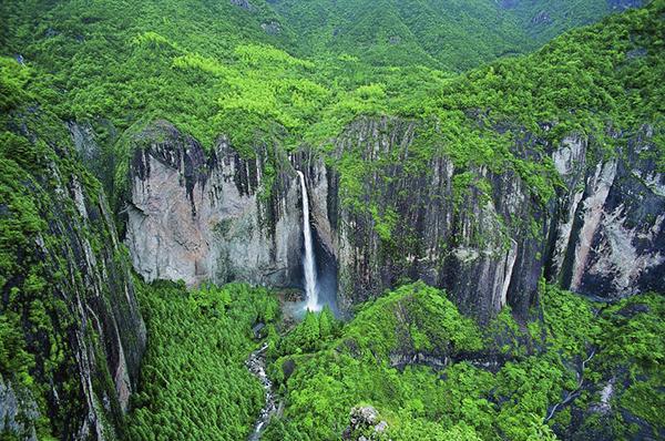 【奇秀雁荡山】翻越东南第一山,行走崖壁飞拉达,体验非一般的空中漫步!