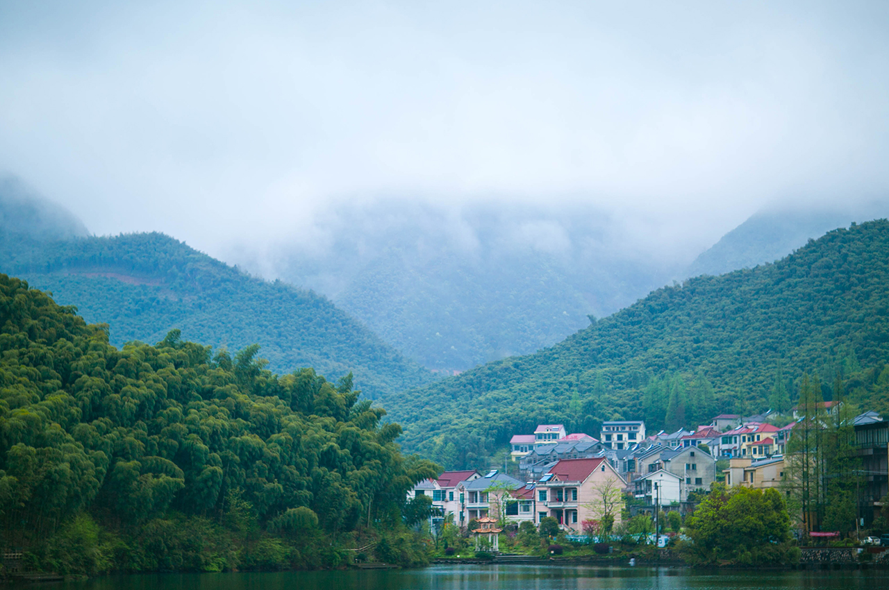 【秘境安吉】浙江生态宜居城市,竹海团建放松,网红悬崖乐园刺激体验